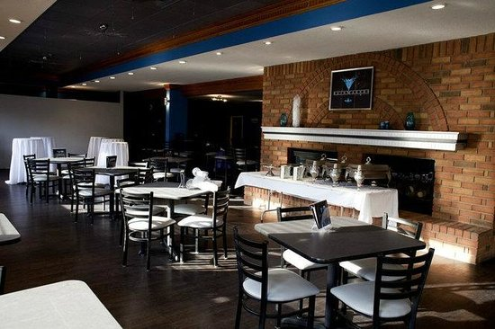 Ramada Saginaw Hotel and Suites: Rainmakers Bar and Grill