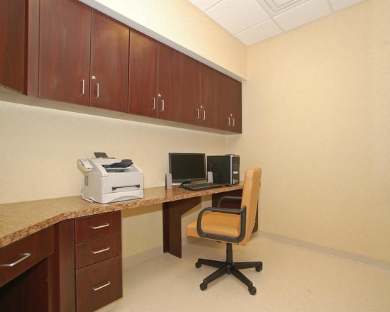 Comfort Inn & Suites : Business Center