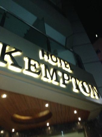 Kempton Hotel: Add a caption
