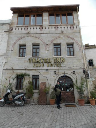 Travel Inn Cave Hotel: front of hotel