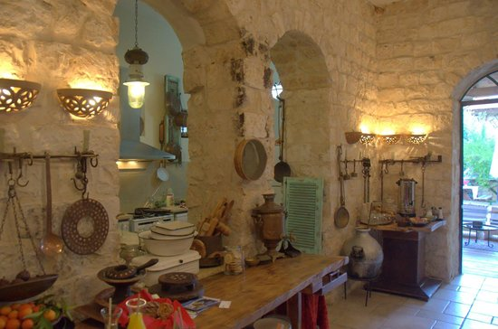 Shulamit Yard: The corner of the living room, showing the kitchen (beyond) and the corner for coffee, tea and h