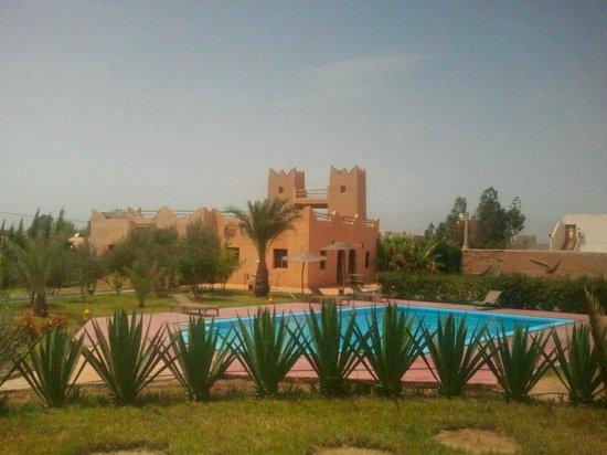 La Tour de Toile : vue piscine