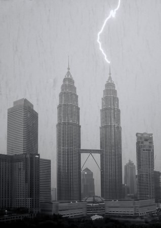 Traders Hotel, Kuala Lumpur: Lightning Strike seen from our room