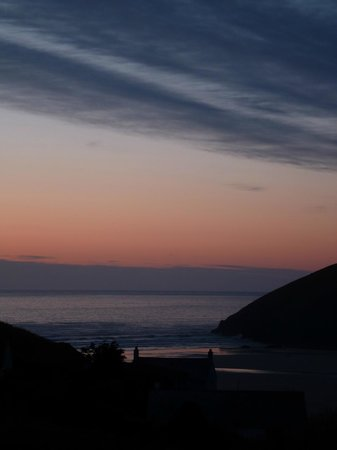 Seavista: Mawgan Porth sunset from room 5