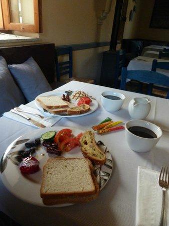 Casale Panayiotis: Breakfast