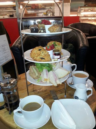 Olive and Bean: Afternoon tea
