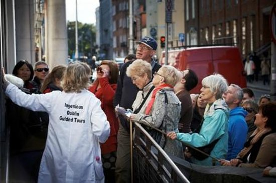 Ingenious Ireland: Enjoying an Ingenious Dublin guided tour. Image Ros Kavanagh/TBCT