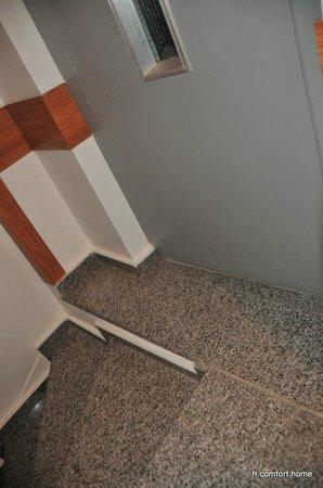 Taksim Comfort Home: hole