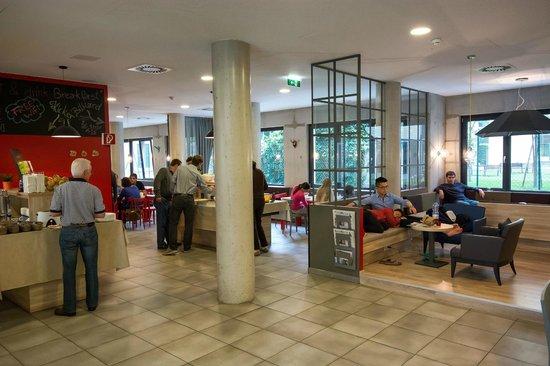 MEININGER Hotel Wien Downtown Franz: hol i jadalnia