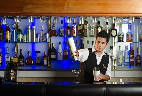 DM Hoteles Tacna: Bar del Hotel