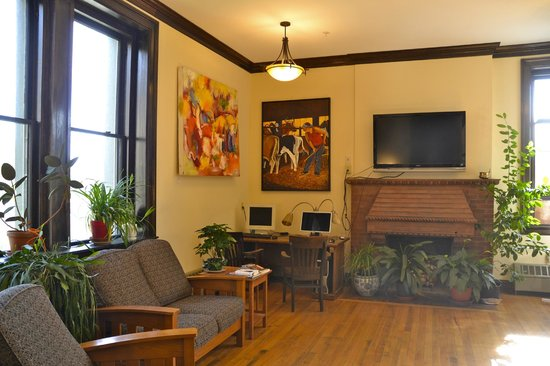 Catamount Film & Arts : Community Lounge