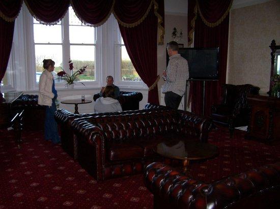 The Manor Hotel: Main Lounge