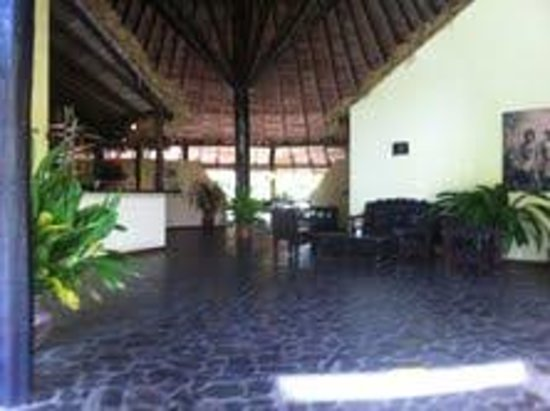Sarapiquis Rainforest Lodge: reception area and dining room