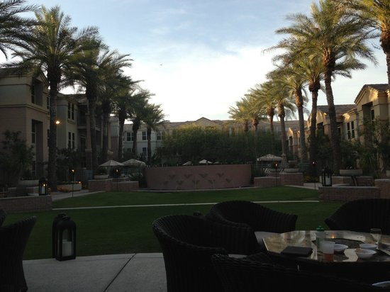 Gainey Suites Hotel: view from happy hour outdoor seating