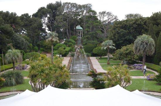 Bassin et les jets d 39 eau photo de villa jardins ephrussi de rothschild saint jean cap - Bassin jardin preforme saint paul ...