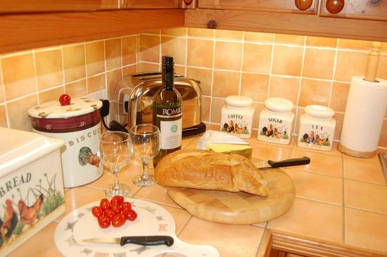 Mull of Galloway Holidays: Auld Smiddy Cottage Kitchen