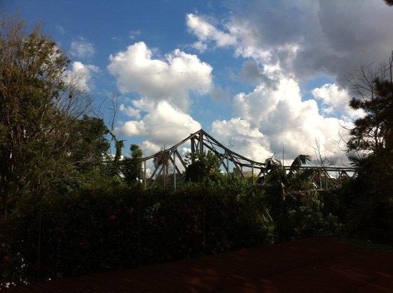 Hotel Blumenhof: vista para a ponte ferro..