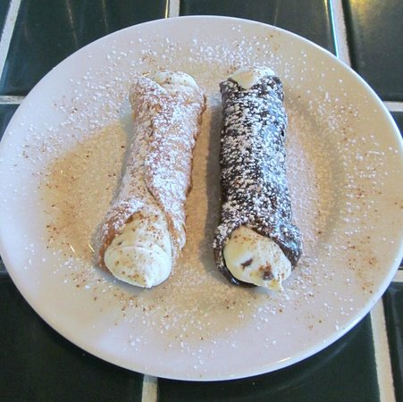 DeFalco's Italian Deli and Grocery : A traditional and a chocolate shell cannoli