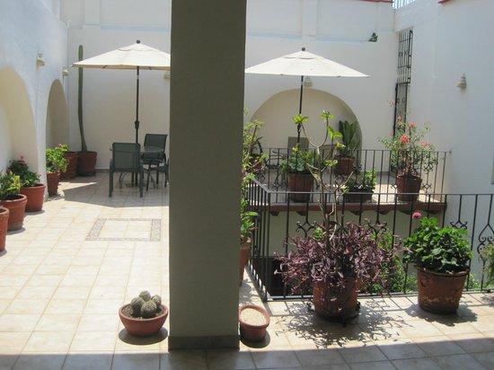 Hotel Parador San Agustin: back court yard