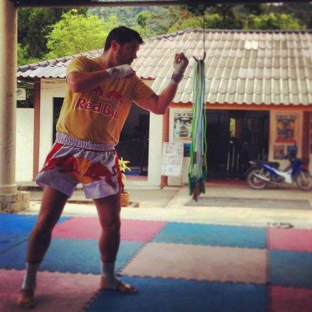 Island Muay Thai: Shadow Boxing