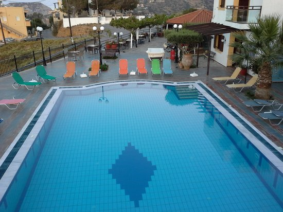 Pennystella Apartments : the pool