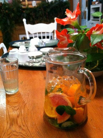 T'Frere's Bed & Breakfast: Refreshing
