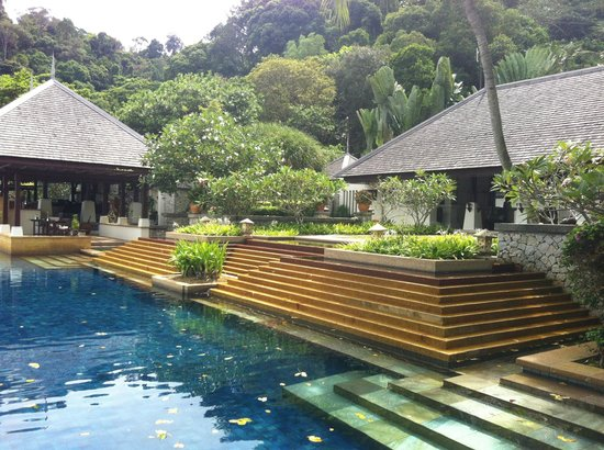 Pangkor Laut Resort: spa pool (over 16s only)