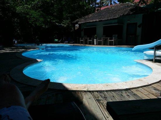Tango Beach Resort: Small pool.