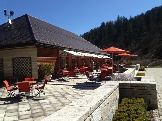 Schloss Elmau: Restaurant Fidelio mit Terrasse