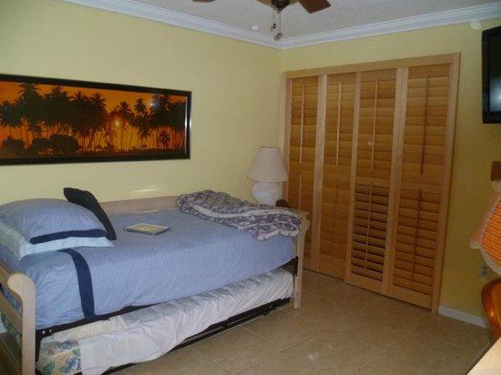 Kawama Yacht Club: 2nd bedroom