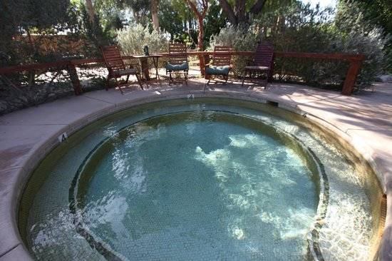 Hacienda Hot Springs Inn : Hot tub