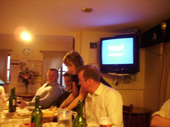 The Stoodleigh Inn: ''oh whats for dinner lizzie ''...