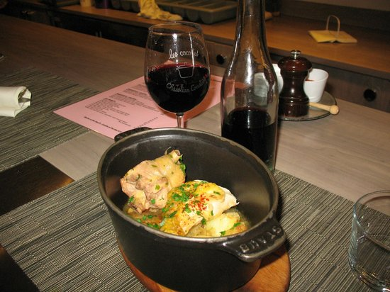 Les Cocottes de Christian Constant: Chicken with potatoes and caramelized onion