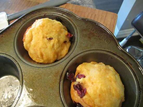 Three Wishes B&B: Sunshine Muffins from the oven
