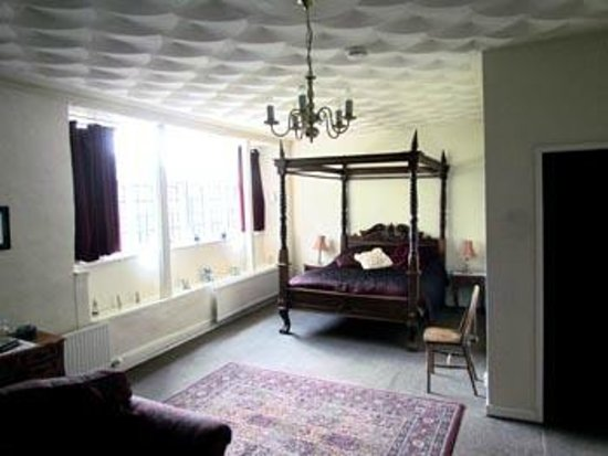 Skirrid Mountain Inn: Bedroom 1