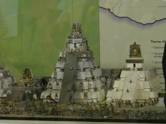 Museo Popol Vuh : Model of the city of Tikal