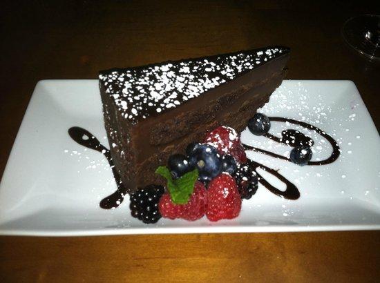 Flatz Restaurant and Lounge : Chocolate cake at Flatz