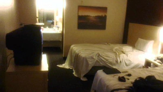 Virgin River Hotel & Casino : Standard 2 queen room