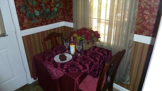 Clipper House Inn : Breakfast with Wine