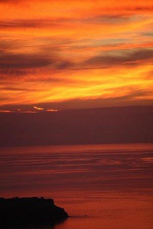 Your Greek Friend: one sunset in Santorini