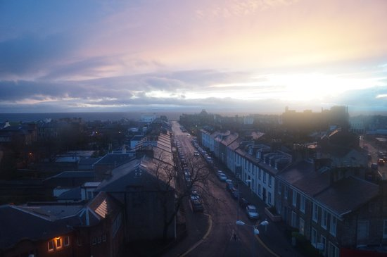 Mercure Ayr Hotel: Stunning sunset view from the room