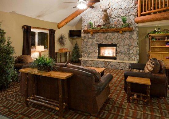 AmericInn Lodge & Suites Pequot Lakes: AmericInn Pequot Lakes Hotel - Lobby