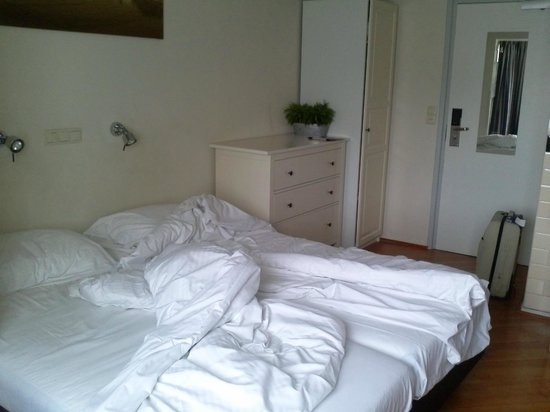 Hotel De la Bourse: camera