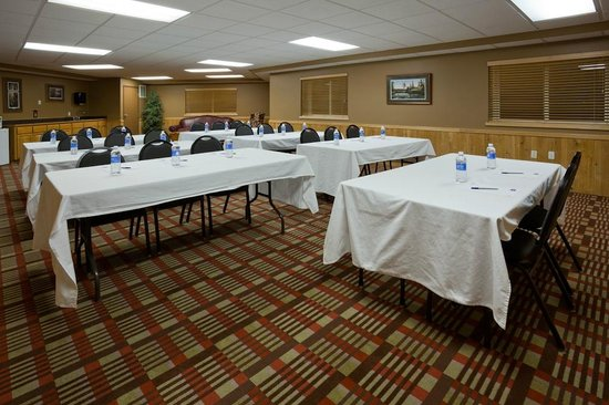 AmericInn Lodge & Suites Pequot Lakes: AmericInn Pequot Lakes Hotel - Meeting Space