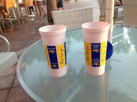 Salty's Tiki Bar : Add a caption