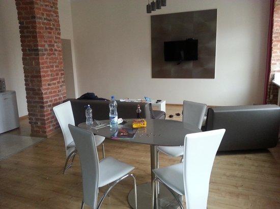 Friends Hostel : dining area
