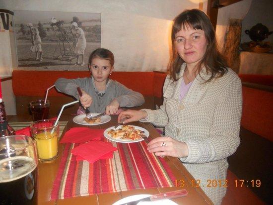 Pizza Grande: Выбрались в город под Новый Год, замёрзли и сюда! :)