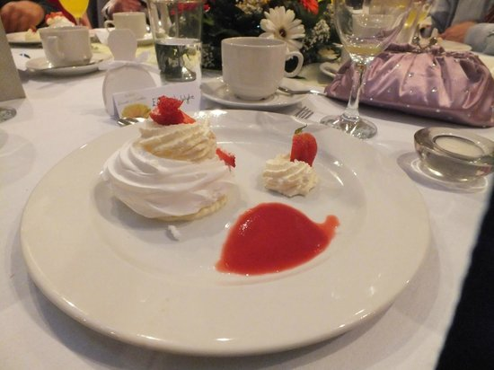 Loughshore Hotel: Wedding Meal Dessert
