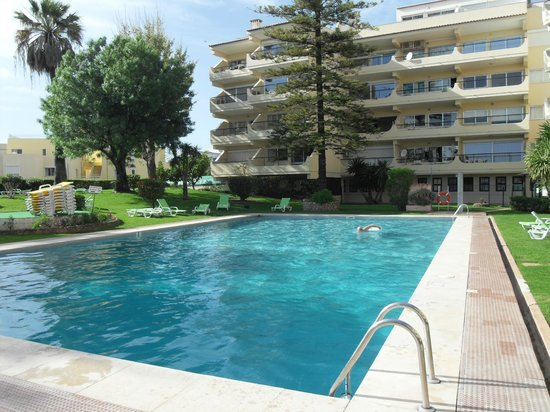 Parque Mourabel Apartments: swimming pool