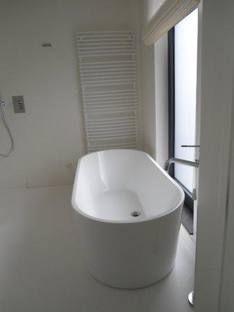 VixX Hotel: Een verwachtingsvol bad